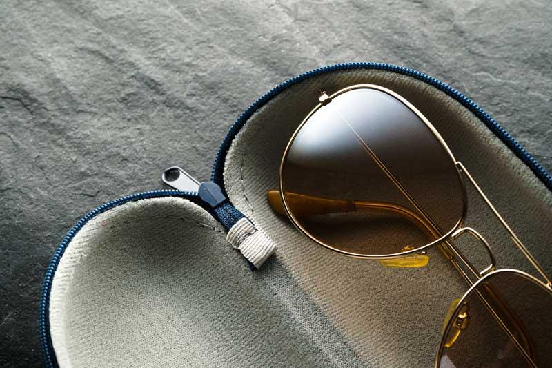 glasses-in-an-open-case