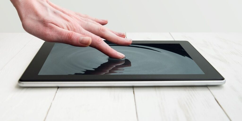 How to Clean Device Screens
