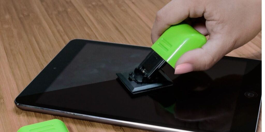 How To Clean Tablet Screen