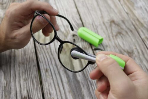 Is Microfiber glasses cleaner the best way to keep your eyeglasses clean?